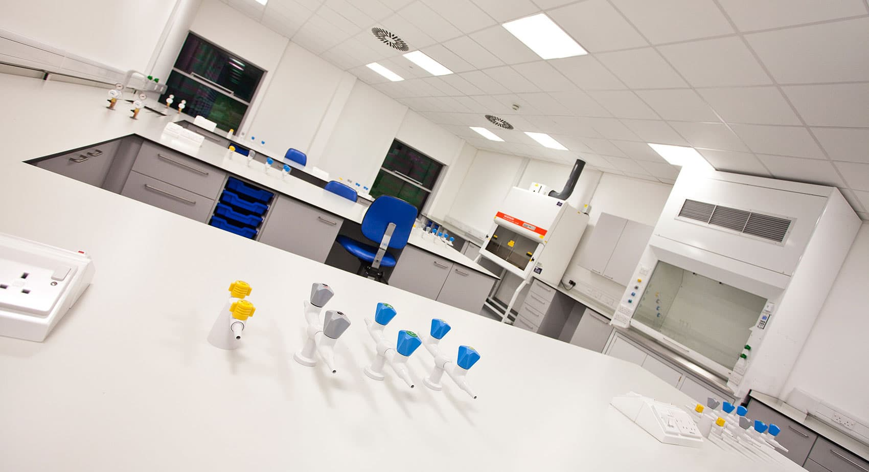 laboratory furniture design and manufacture in the uk by interfocus