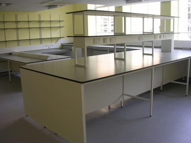 Tiered lab desks at Cambridge University
